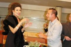 Lucia Aliberti with the Fans⚘Concert⚘Auditorium⚘Milan⚘Autograph Session⚘Escada Fashion⚘:http://www.luciaaliberti.it #luciaaliberti #auditorium #milan #concert #autographsession #escadafashion