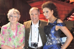 "Lucia Aliberti with the journalist and writer Juan Carlos Tellechea and his wife⚘Lucia Aliberti celebrated 40 years of international career and received the ""Bellini d'Oro"" Award⚘Concert⚘Gendarmenmarkt⚘Classic Open Air⚘Berlin⚘Escada Fashion⚘on stage⚘:http://www.luciaaliberti.it #luciaaliberti #juancarlostellechea #gendarmenmarkt #classicopenair #berlin #concert #escadafashion #onstage"