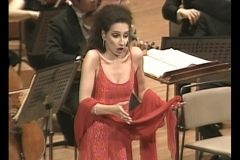 Lucia Aliberti⚘Suntory Hall⚘Special Concert⚘Tokyo⚘DVD Live Recording⚘On Stage⚘Photo taken from the TV⚘:http://www.luciaaliberti.it #luciaaliberti #suntoryhall #tokyo #concert #onstage #dvdliverecording #tvportrait