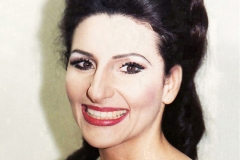 "Lucia Aliberti⚘Opera⚘""Lucia di Lammermoor""⚘Deutsche Oper Berlin⚘Berlin⚘Portrait Series⚘:http://www.luciaaliberti.it #luciaaliberti #deutscheoperberlin #berlin #luciadilammermoor #opera #portraitseries"