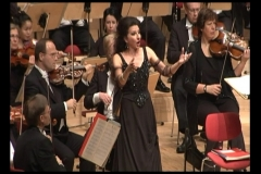 Lucia Aliberti⚘Philharmonie Essen⚘Essen⚘Concert⚘on stage⚘Photo taken from the TV⚘:http://www.luciaaliberti.it #luciaaliberti #philharmonieessen #essen #concert #onstage #laperlafashion