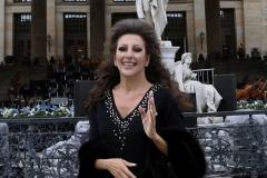 """Lucia Aliberti⚘""""Gendarmenmarkt""""⚘Berlin⚘rehearsals⚘Concert⚘Portrait Series⚘La Perla Fashion⚘:http://www.luciaaliberti.it #luciaaliberti #gendarmenmarkt  #berlin #concert #rehearsals #portraitseries #laperlafashion"""