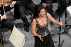 Lucia Aliberti⚘Teatro Manoel⚘Malta⚘Special Concert⚘on stage⚘Portrait Series⚘Escada Fashion⚘:http://www.luciaaliberti.it #luciaaliberti #teatromanoel #malta #concert #onstage #portraitseries #escadafashion