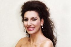 Lucia Aliberti⚘Music and Congress Hall Lubeck⚘Gala Concert⚘Lubeck⚘dressing room⚘Portrait Series⚘La Perla Fashion⚘:http://www.luciaaliberti.it #luciaaliberti #musicandcongresshall #lubeck #dressingroom #portraitseries #laperlasession #makeupsession