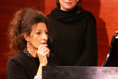 Lucia Aliberti with the friend Bernadette Herzog⚘Lucia plays the piano⚘during a Masterclass⚘Carnegie Hall⚘New York⚘Rehearsals⚘:http://www.luciaaliberti.it #luciaaliberti #bernadetteherzog #masterclass #carnegiehall #newyork #rehearsals
