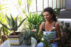 Lucia Aliberti⚘Love keeping the Plants and fFowers⚘Family Home⚘Sicily⚘Relax⚘:http://www.luciaaliberti.it #luciaaliberti #familyhome #sicily #flowers #relax
