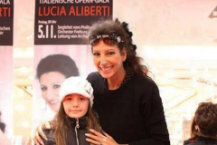 Lucia Aliberti⚘received the compliments⚘from a little fan⚘cute and sweet picture⚘Muller Industry Company⚘Autograph Session⚘Ulm⚘Special Gala Concert⚘Escada Fashion⚘:http://www.luciaaliberti.it #luciaaliberti #mullerindustrycompany #theaterulm #ulm #autographsession #escadafashion
