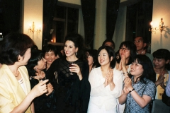 Lucia Aliberti⚘with fans⚘in the Lucia's Restaurant⚘Concert⚘Suntory Hall⚘Tokyo⚘Party⚘Autograph Session⚘Wolford Fashion⚘:http://www.luciaaliberti.it #luciaaliberti #suntoryhall #tokyo #concert #ristorantelucia #party #autographsession #wolfordfashion