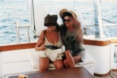Lucia Aliberti with her friend Vera Giulini⚘Porto Cervo⚘Tour and Lunch on the Boat⚘Holiday⚘:http://www.luciaaliberti.it #luciaaliberti #veragiulini #portocervo #boat #holiday