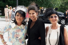 Lucia Aliberti with the great frieds Regine Sixt and Doris Papst⚘Guests⚘at the Regine Sixt wedding family's⚘Salzburg⚘Special Concert⚘Armani Fashion⚘⚘:http://www.luciaaliberti.it #luciaaliberti #reginesixt #dorispapst #wedding #salzburg #armanifashion