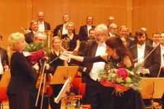 Lucia Aliberti with the conductor Frantisek Drs⚘Gala Concert⚘Prag⚘:http://www.luciaaliberti.it #luciaaliberti #frantisekdrs #prag #concert