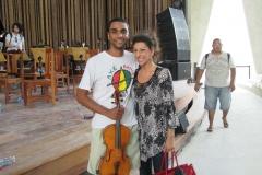 """Lucia Aliberti with the first cellist of the Trancoso Festival Orchestra⚘""""Trancoso Festival""""⚘Brazil⚘rehearsals⚘:http://www.luciaaliberti.it #luciaaliberti #trancosofestival #trancoso #brazil #rehearsals"""